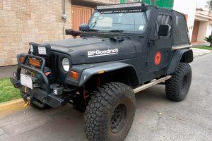Jeep wrangler negro en renta CDMX