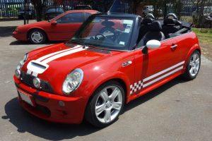 Mini Cooper convertible rojo en renta en la Ciudad de Mexico