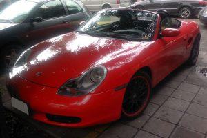 Porsche Boxter rojo convertible en renta en la ciudad de México