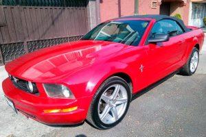 Mustang convertible rojo en renta en la Ciudad de México