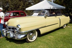 Cadillac 1952 crema en renta en la ciudad de México