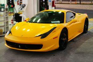 Ferrari 458 Italia amarillo en renta en la Ciudad de México