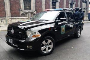 Renta patrulla pick up dodge ram negra en la ciudad de México