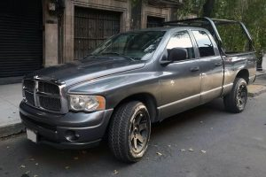 Renta pick up dodge ram gris en la ciudad de México