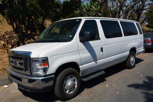 Renta Ford Econoline blanca 14 pasajeros en la ciudad de México