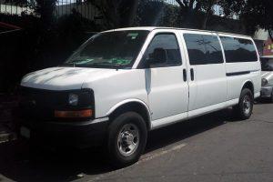 Renta chevrolet express blanca 14 pasajeros en la ciudad de México