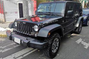Renta Jeep Wrangler negro brillante en la Ciudad de México