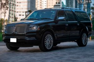 Renta Lincoln Navigator Negra en la ciudad de México