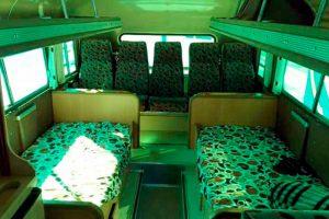 Renta autobus retro dina jorobado plateado en la ciudad de México