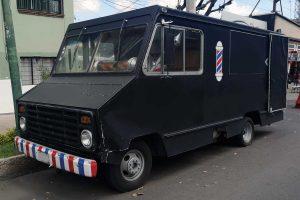 Barber truck negro en renta para filmaciones en CDMX
