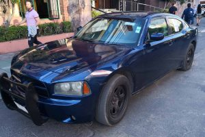 Renta patrulla charger azul en la Ciudad de México para filmaciones