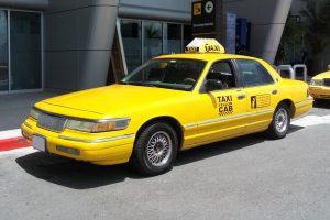 renta taxi americano amarillo de 1990 en la ciudad de mexico
