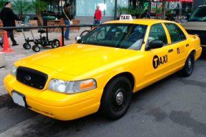 Renta taxi americano amarillo en ciudad de mexico