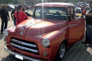 Renta pick up 1955 rosa en la ciudad de mexico