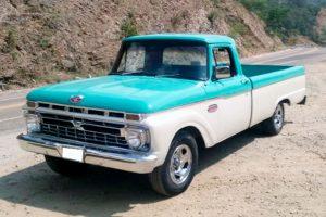 Renta ford pick up 1968 azul con blanco en la ciudad de México