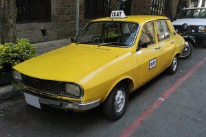 Renta Taxi Renault Amarillo en la Ciudad de Mexico