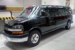 Renta chevrolet express negra 11 pasajeros en ciudad de México