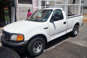 Renta Camioneta con Redilas Blanca en la Cuidad de México