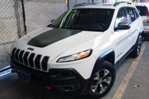 Renta Jeep Cherokee Blanca en la Cuidad de México