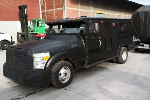 Camion Blindado Negro Swat en renta CDMX