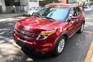Ford Explorer Roja en renta CDMX