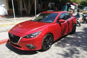 Mazda 3 Rojo Coupe en renta CDMX