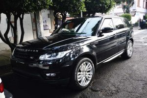 Ranger Rover Negra en renta en CDMX